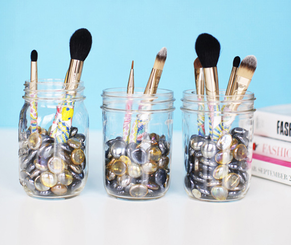 how_to_organize_makeup_brushes1