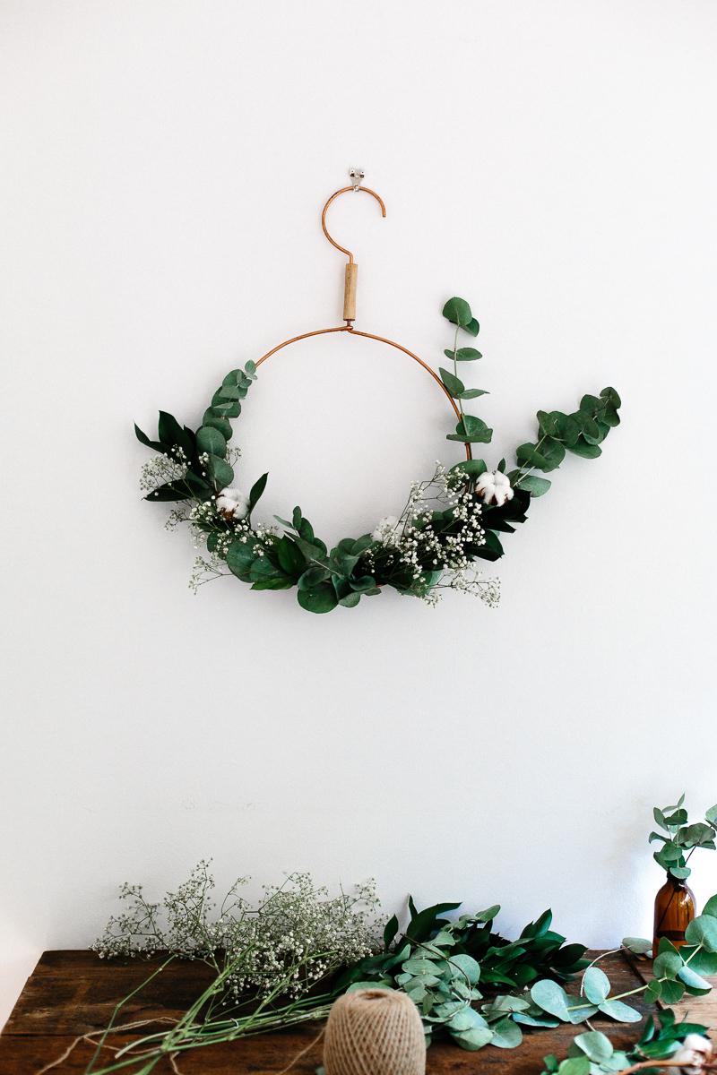 A+modern+Christmas+wreath