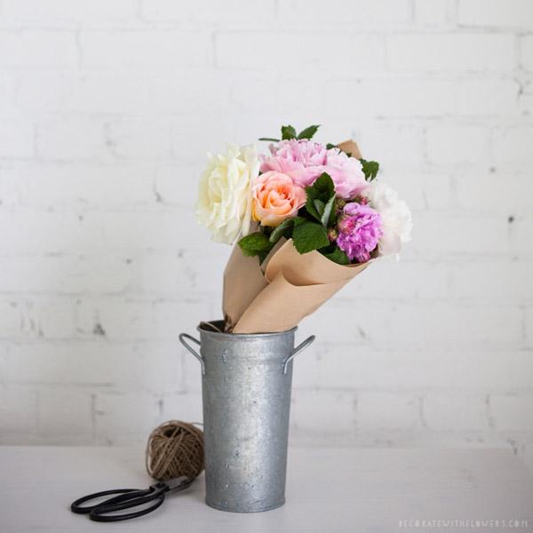 Decorar con flores falsas ¿sí o no?