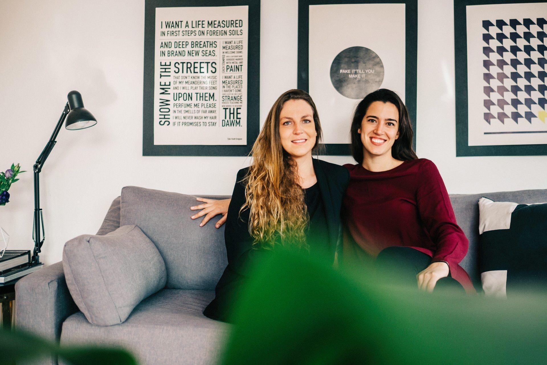 Angela Erlwein y Josefina Vicuña, decoradora y chef