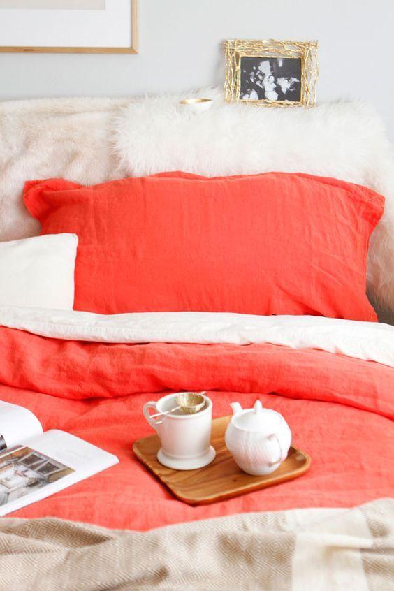 8 maneras de lucir el color Pantone 2019, living coral, en tu casa